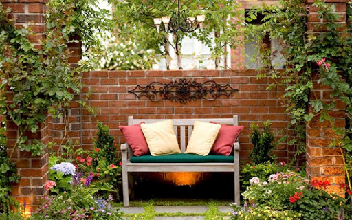تزئین حیاط منزل